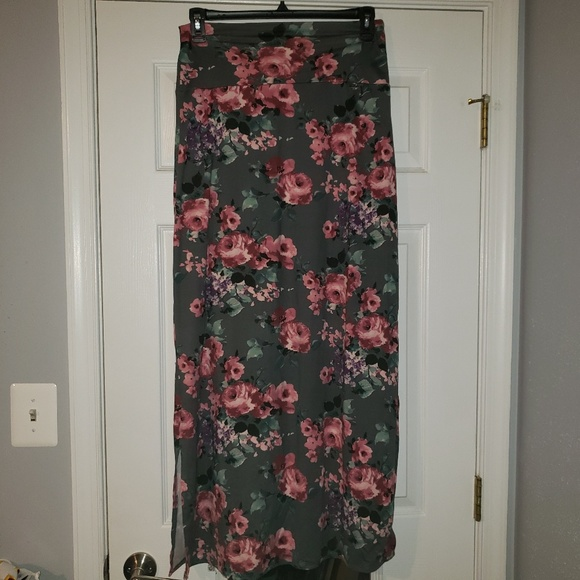 Agnes & Dora Dresses & Skirts - Large Anges and Dora Maxi Skirt